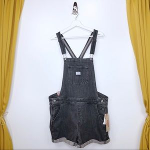 LEVI'S Black Denim Short Overalls Size 20W